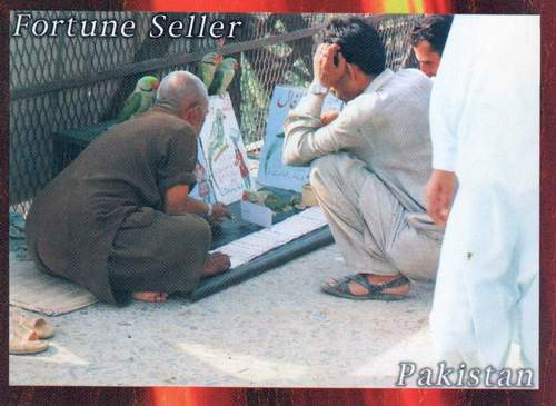 Pakistan Beautiful Postcard Fortune Teller